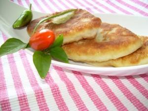 Жареные пирожки с картошкой - аппетитная закуска фото | Жареные пирожки с картошкой - аппетитная закуска