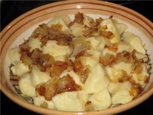 Галушки со шкварками и жареным луком фото   Галушки со шкварками и жареным луком