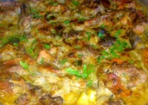 Кролик в сметанном соусе с грибами и картофелем фото | Кролик в сметанном соусе с грибами и картофелем